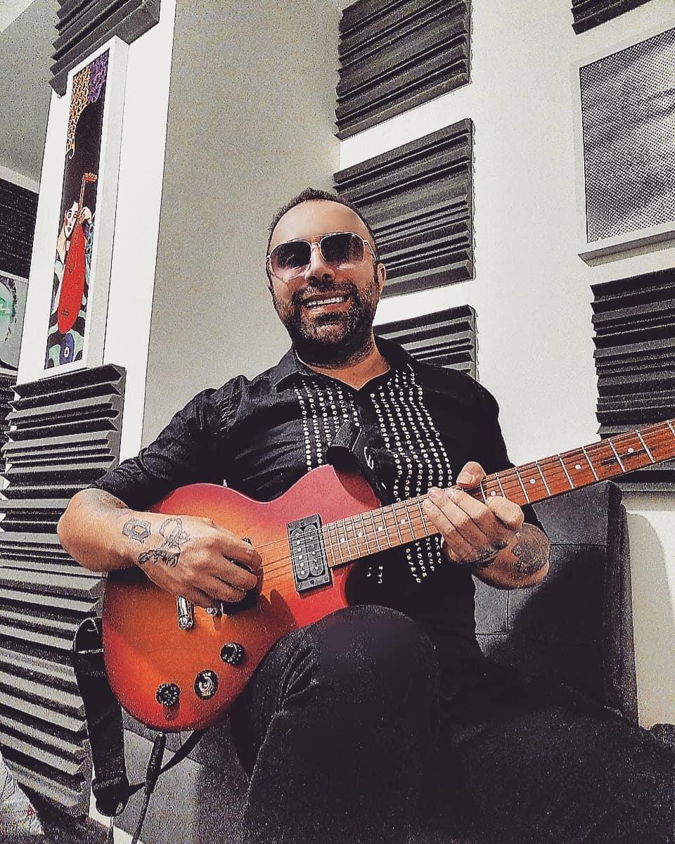 موزیک ویدیو جدید یاسر محمودی بنام آینده